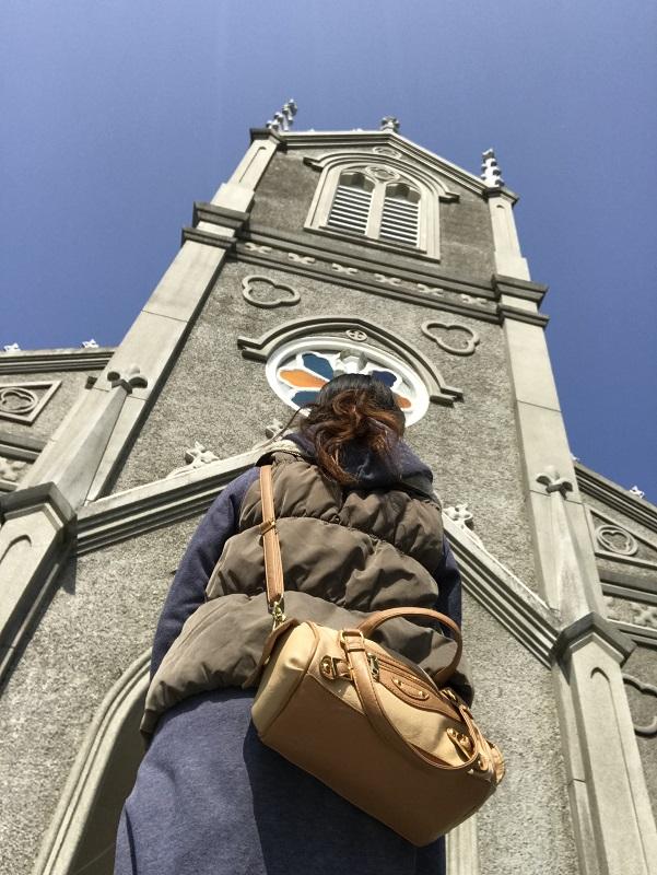 下から見た﨑津教会